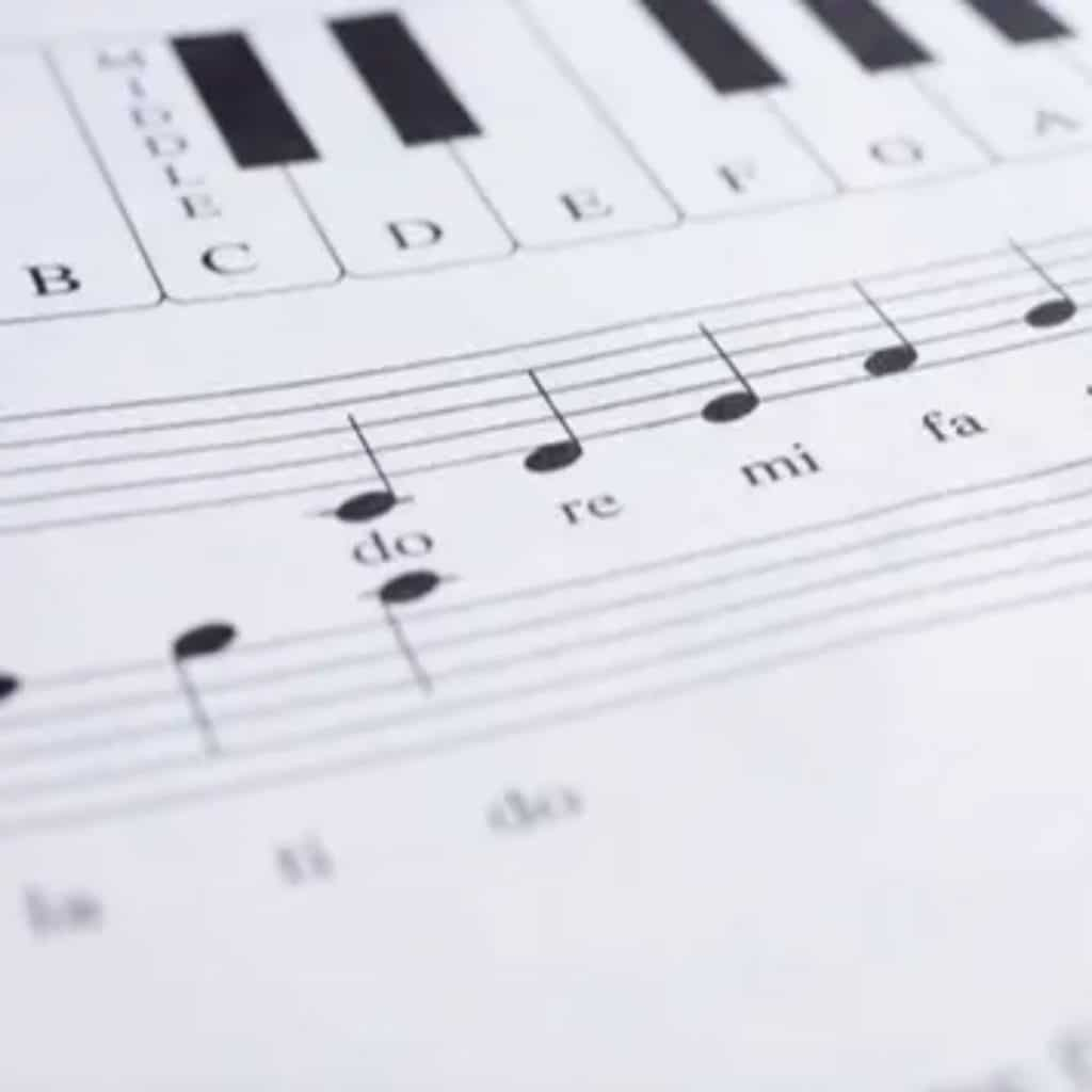 Teaching piano scales